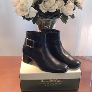 Thom  McCan 🌹 black leather boot booty shoe